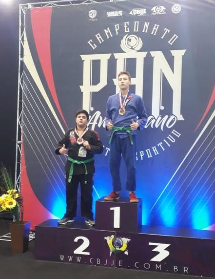 JIU JITSU: Murilo conquista medalha de prata