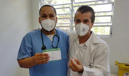 Cerca de 30% dos trabalhadores da saúde da região já receberam a primeira dose da vacina