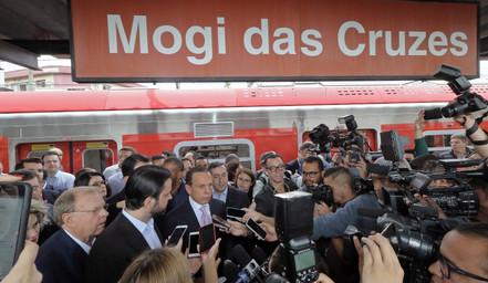 Prefeitos acompanham visita do governador a Mogi das Cruzes