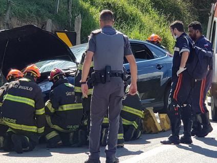 ESTÂNCIA: Casal morre em grave acidente de moto na SP 88
