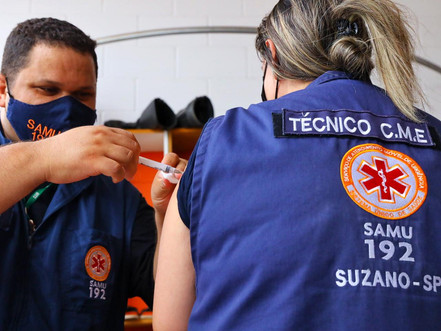 Déficit de vacinas para trabalhadores de saúde é de 25% na região