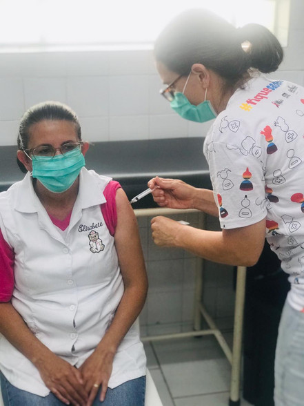 Trabalhadores da saúde começam a ser vacinados no Alto Tietê