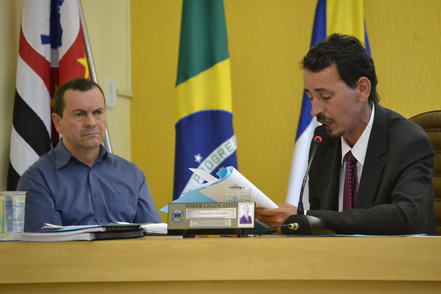 Vereadores aprovam CEI e irão investigar prefeito Jarbas.