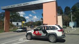 SANTA BRANCA: Polícia prende homem com carro roubado