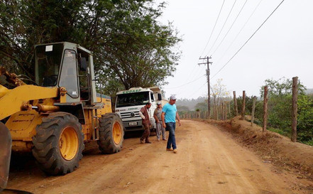Iniciada obras na Estrada do Serrote