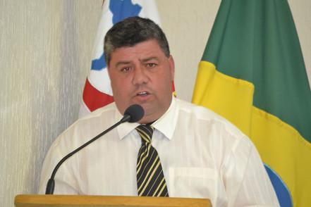 Vereador Nei solicita material para cascalhar estradas rurais