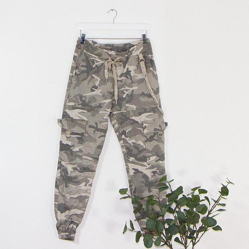 Subtle stretchy camo trousers with eyelet detail (GREY)