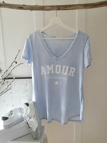 AMOUR vintage Tee in baby blue