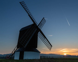 Ivinghoe windmill, sunrise