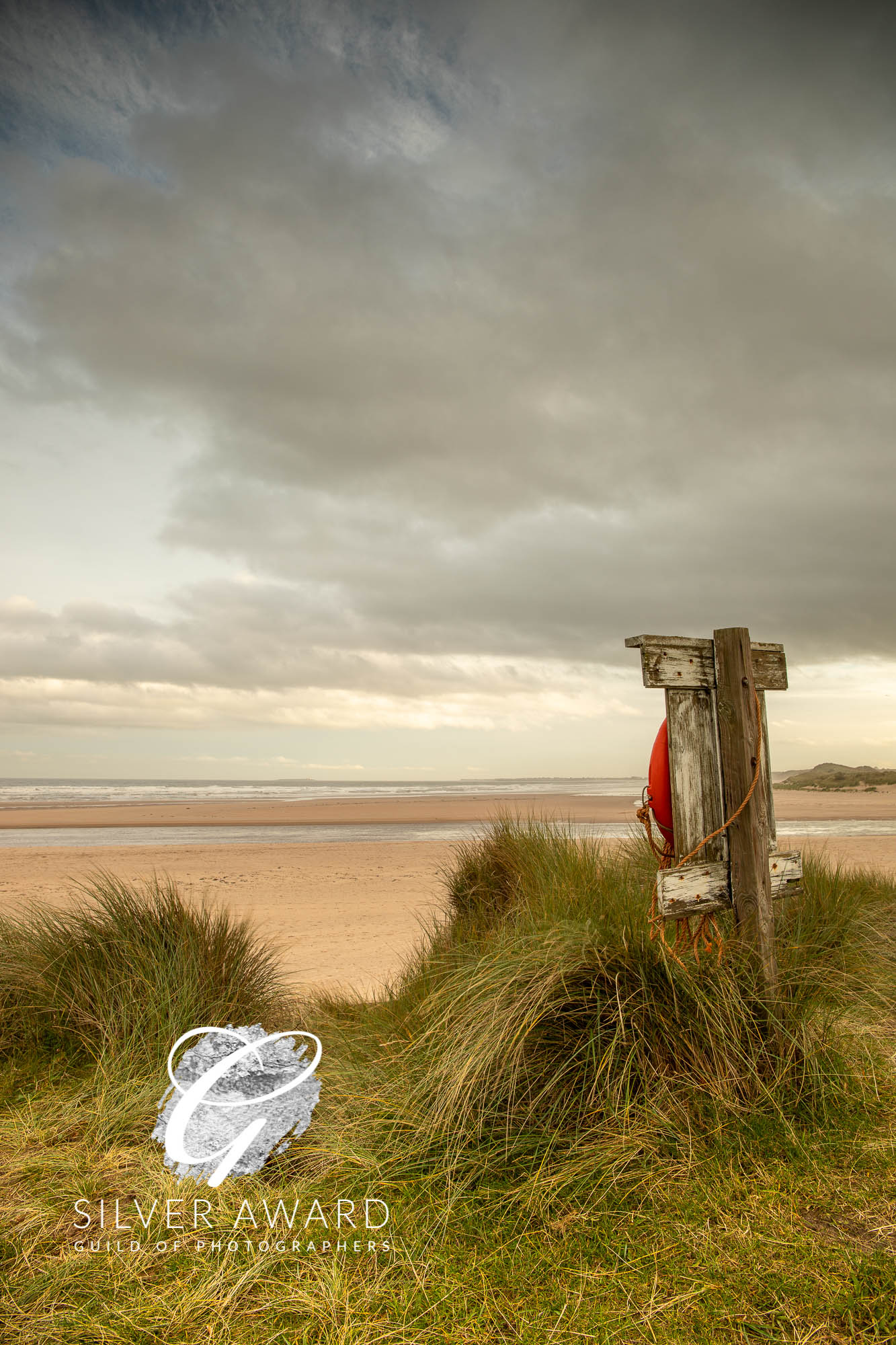 Lifebelt at Alnmouth beach-099