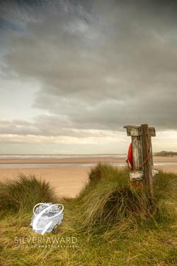 Lifebelt at Alnmouth beach-099