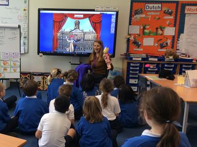 Marianne de Best in her classroom.JPG