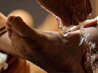 Lava pés: Um gesto de humildade e amor ao próximo.