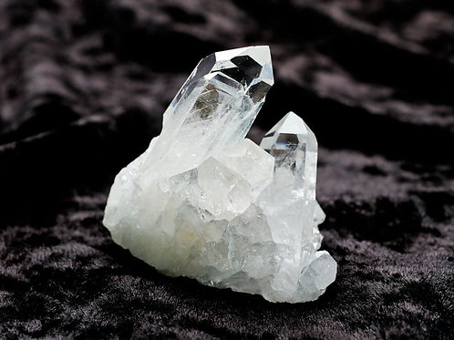Quartz Crystal Cluster - width 50mm by 50mm high