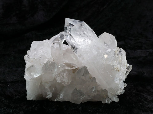 Quartz Crystal Cluster - width 100mm by 90mm high by 60mm deep