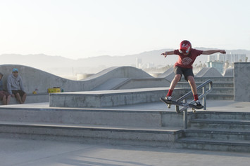 20170413 Venice Skate Park Kid Railslide