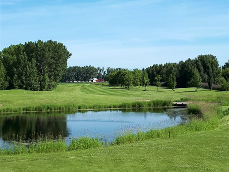 Tranquil golf located just north of Lacombe