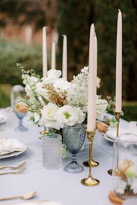 Garden Style Bouquet for wedding in Houston. Houston wedding florist. Organic wedding style. Luxury Weddings In houston. Creative Chateau wedding. Houston Florist. McGovern Centennial Gardens Wedding.