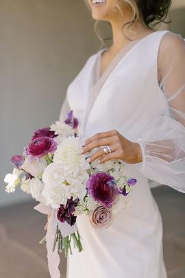 Garden Style Bouquet for wedding in Houston. Houston wedding florist. Organic wedding style.