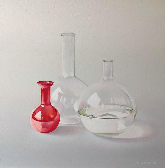 Rood en witte glazen vazen