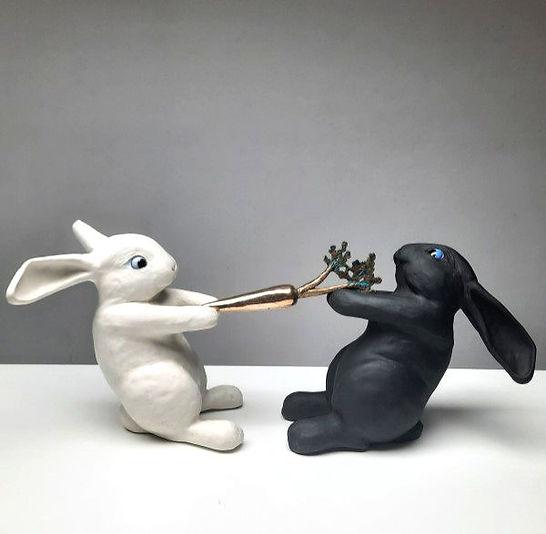 Worteltrekken sculpture