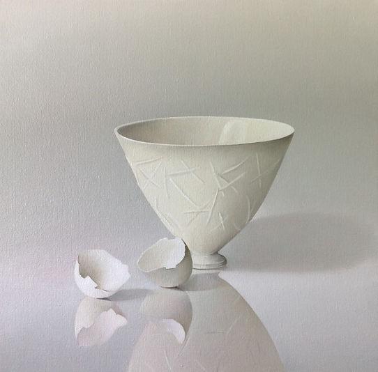 Porceleinen kom met eierschalen