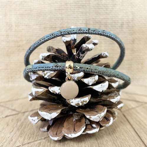 Bracelet en liège bleu/gris avec pendentif petit rond beige