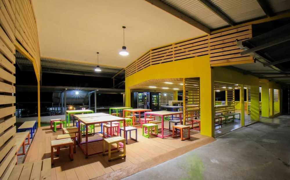 Nombre del Proyecto Cenfotec Lounge Diseño Arquitectónico: Entre Nos Atelier (CRC) https://www.entrenosatelier.net/