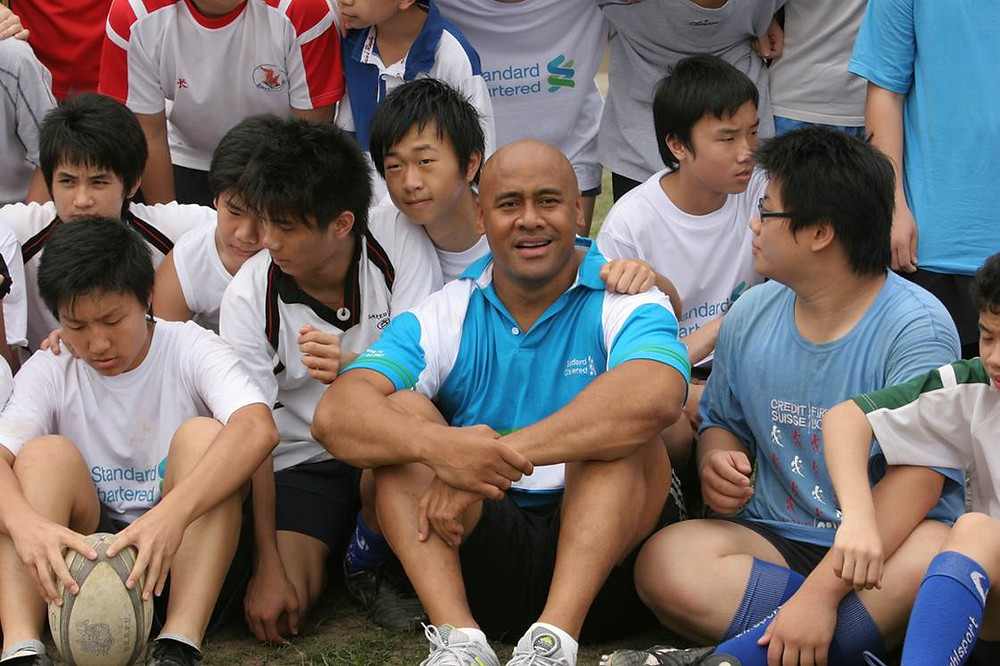 Jonah Lomu during his visit in Hong Kong with Operation breakthrough Kids.