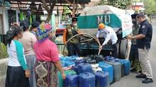 Hari Santri, BPBD Jatim Gandeng LPBI NU Droping Air Bersih di Kabupaten Pasuruan
