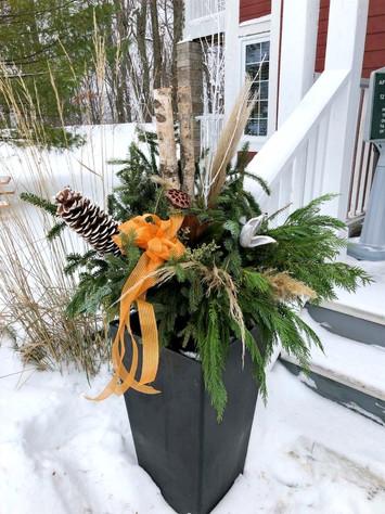 Christmas Planters2_RiverRockProperty_ed
