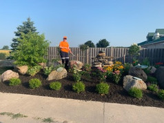 Nicholyn Farms 2019_Side Garden Maintena