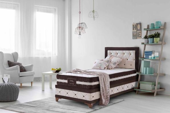 Al yatak katalog fotoğraf çekimi