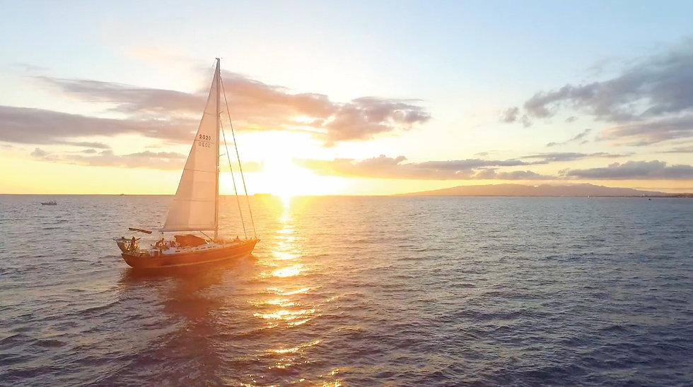 Visit Diamond Head and dive or snorkel in Oahu