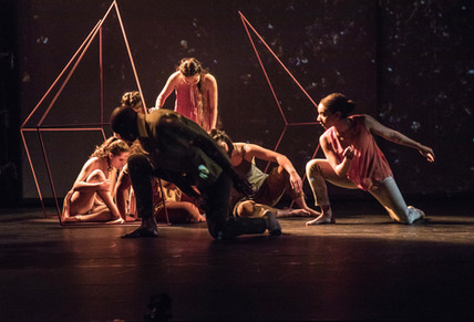 Tracks and Traces performed by the students in the Theatre and Dance Department at UCSD. Photo by Manuel Roten