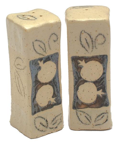 Salt & Papper shakers 1697