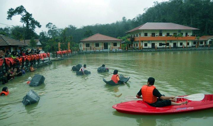 Sampan Pak Pandir race.jpg