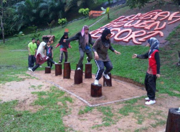 Obstacle_Tapak Gajah.jpg