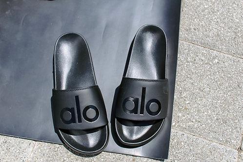 Alo Yoga: The It Slide