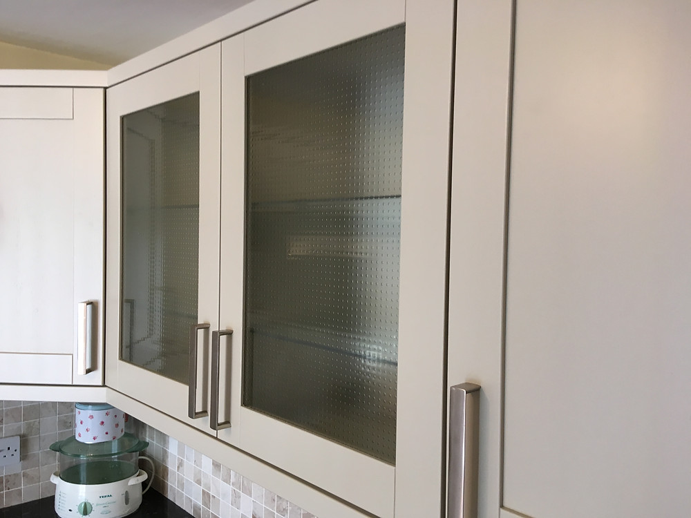 Kitchen cabinet door painted to perfection