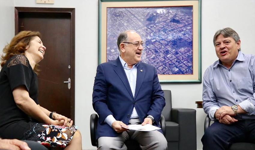 Paulo Freire Costa e a Marta Costa visitam Matão