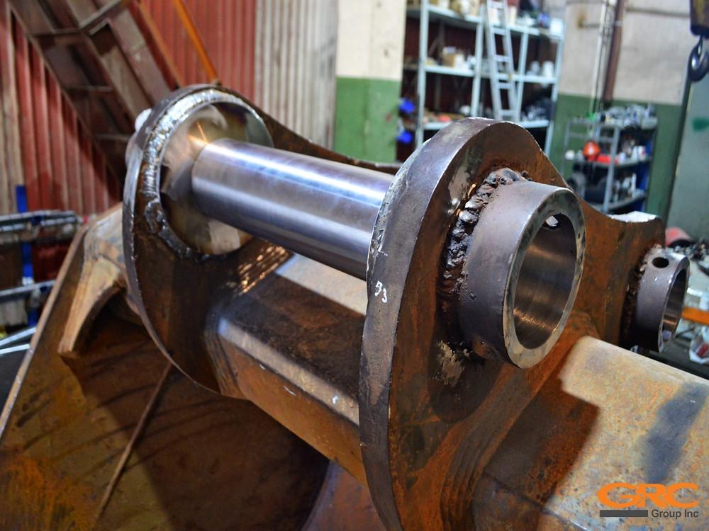 Контроль выполненного ремонта карьерного ковша ответной деталью