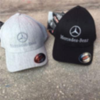 הכובעים שלנו.jpg