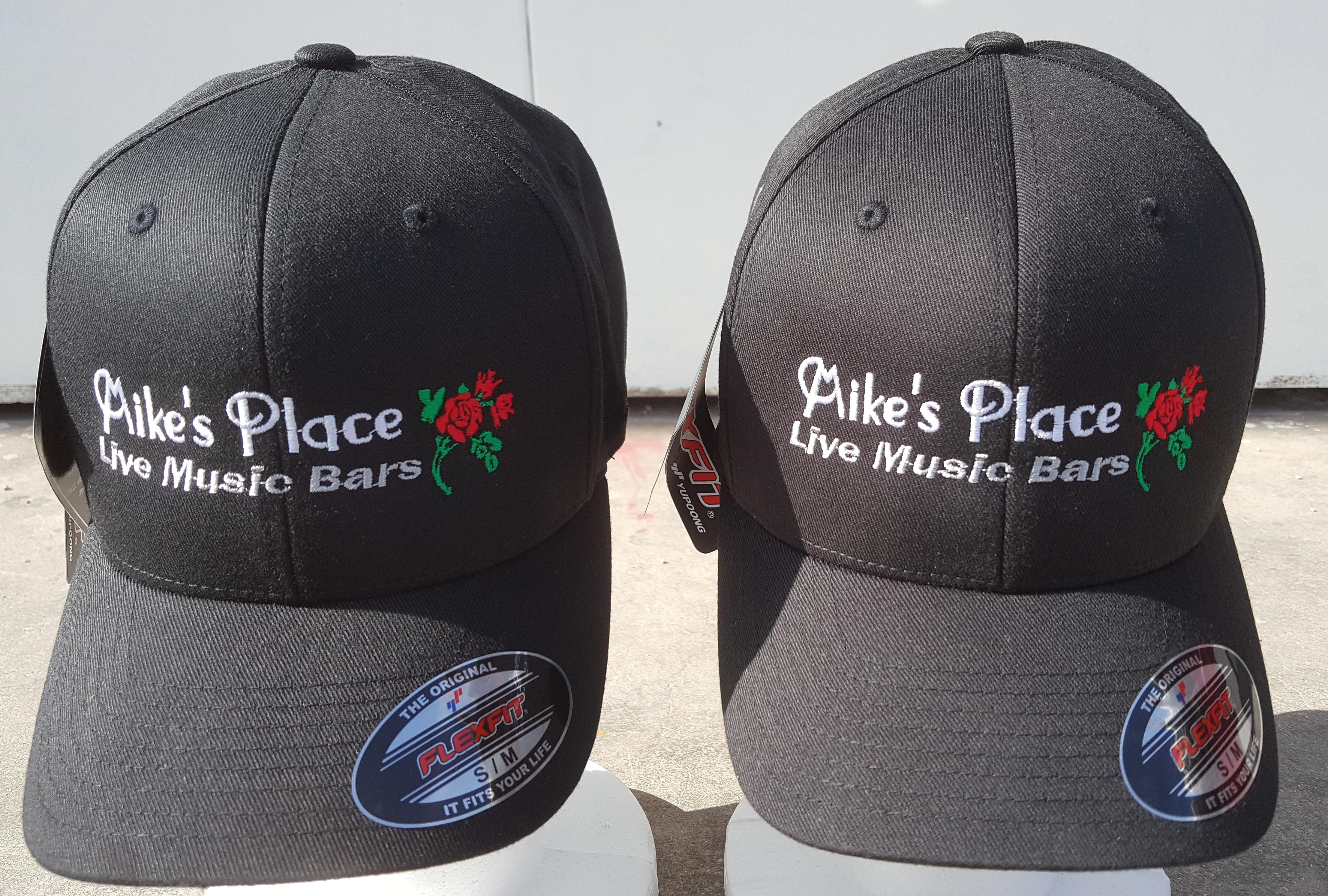 כובעי פלקספיט - כובעים ממותגים
