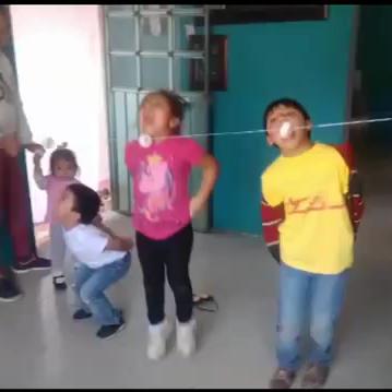 JUGANDO JUNTOS EN EL DIA DEL NIÑO
