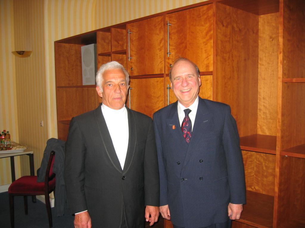 V.Askenazy   & J Rizopoulos