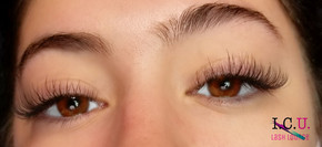 Whispy hybrid lashes