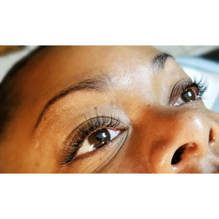 Full  set of classic lashes