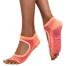 Tucketts-grip-socks-allegro-coral-scales