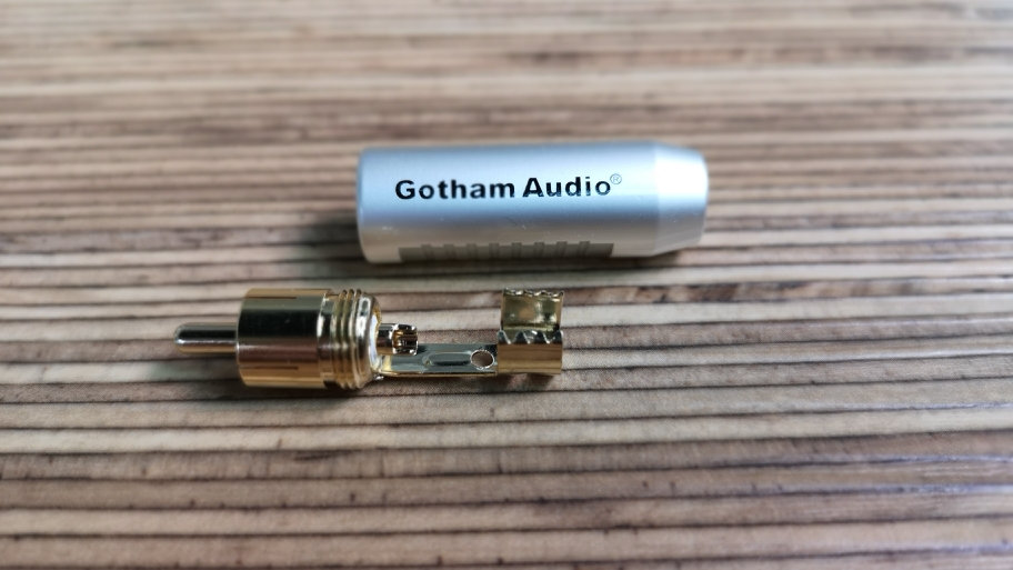 Gotham Gold plated RCA connector (Black)